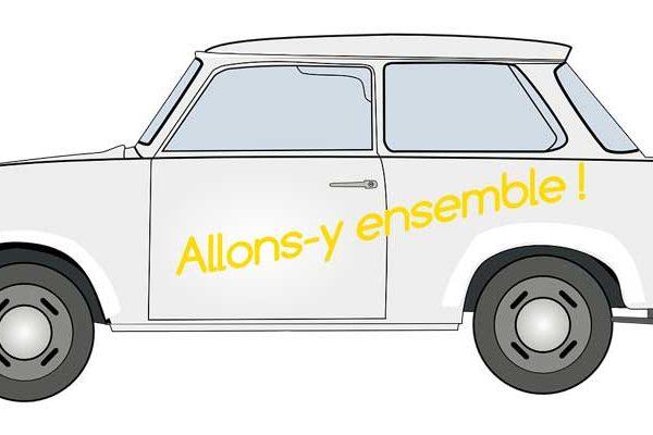 Trabant, voiture identifie l'opération de la commission culture de la ville de Verson