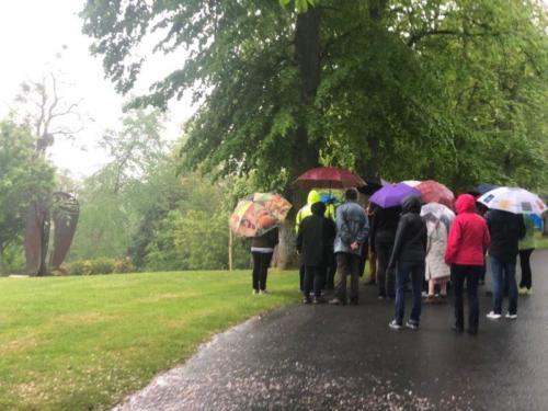 Visite guidée du dimanche matin sous la pluie